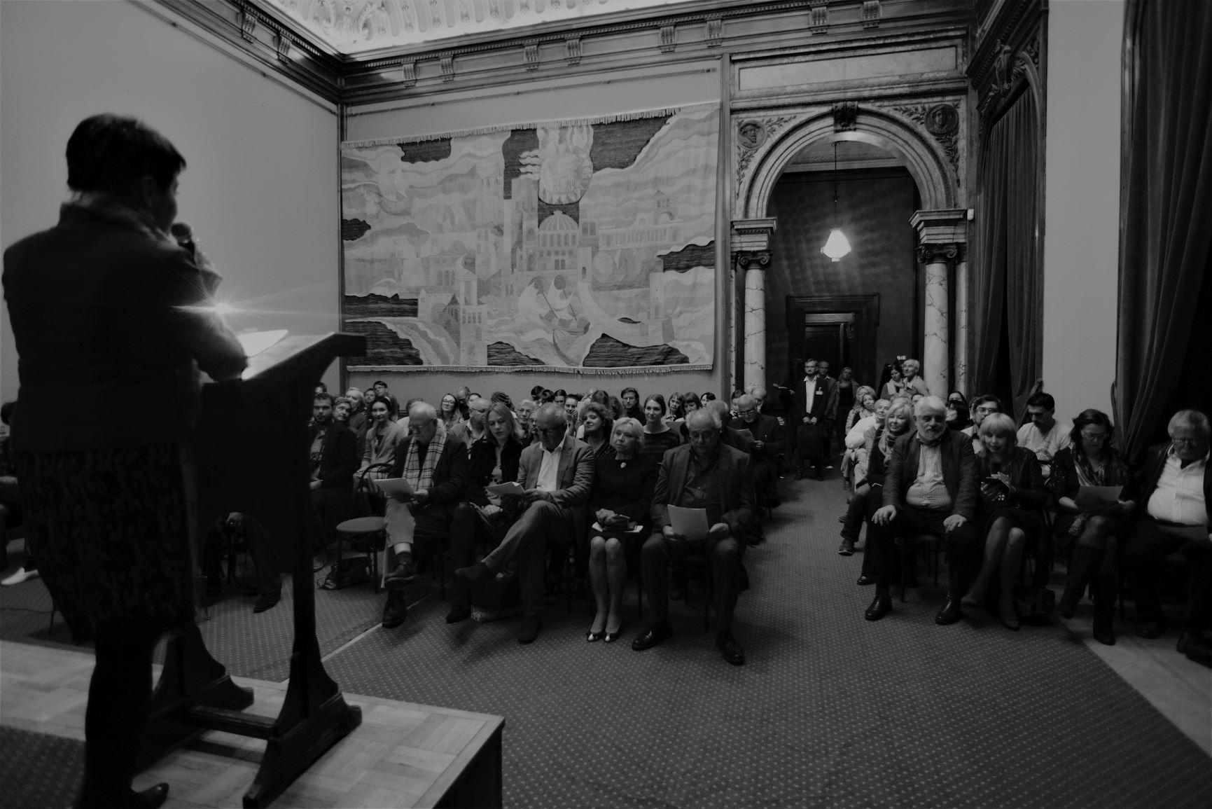 Opening speech by Oksana Zabushko © Hartwig Klappert